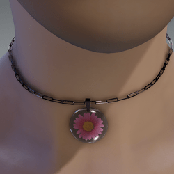 Pink resin daisy necklace