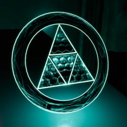 >:{L:13}:< Triforce [Dynamic]