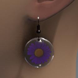 Violet resin daisy earrings