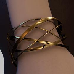 Gold spiral bands bracelet